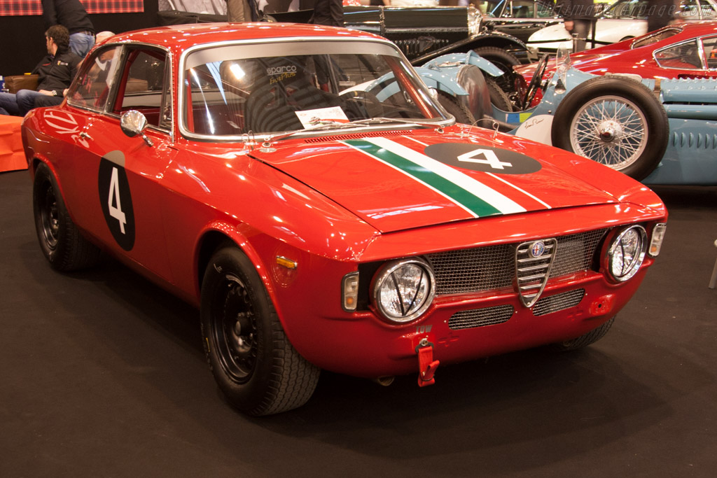 Alfa Romeo Giulia Car