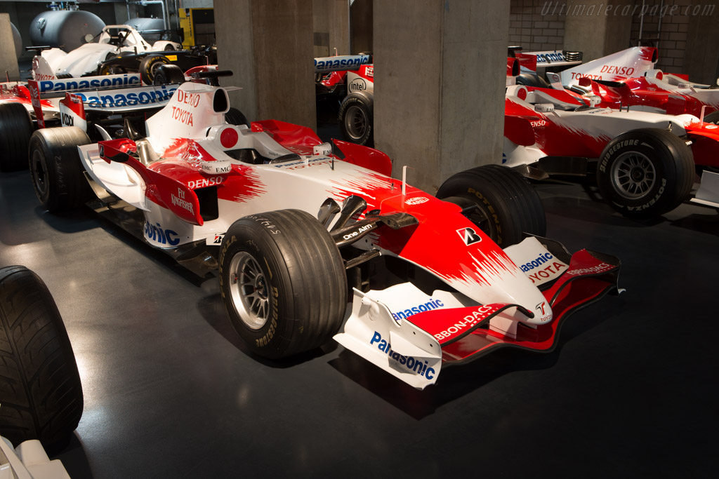 Toyota TF107 - Chassis: TF107-04   - Toyota Motorsport visit