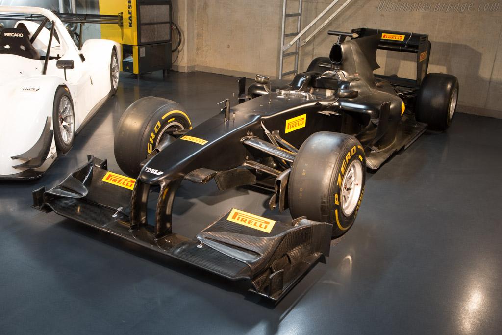 Toyota TF109 - Chassis: TF109-01   - Toyota Motorsport visit