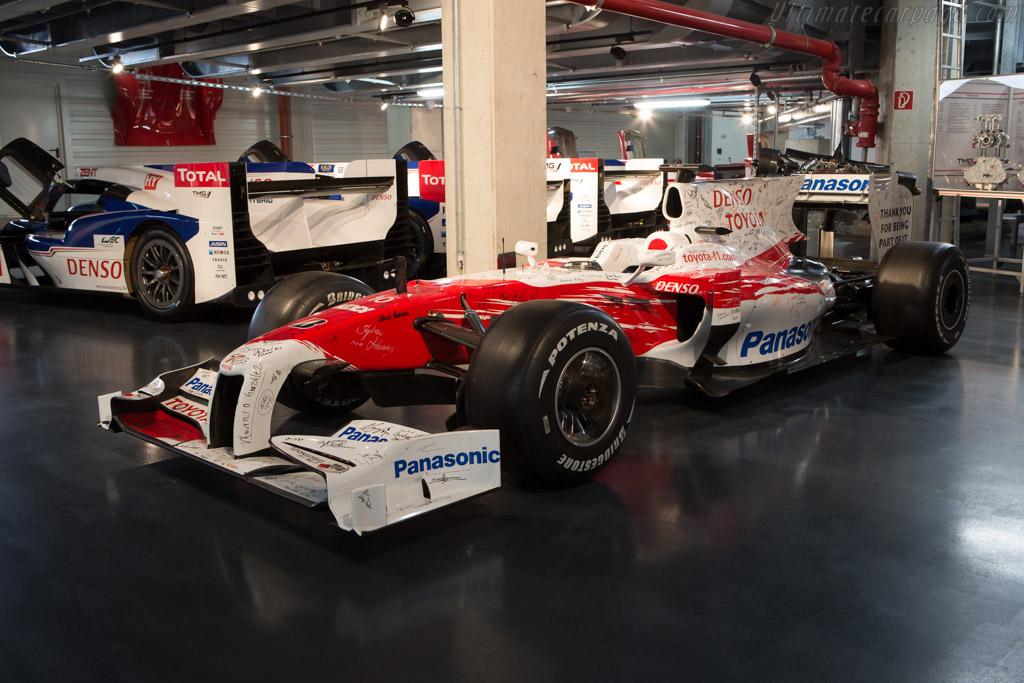 Toyota TF109 - Chassis: TF109-06   - Toyota Motorsport visit