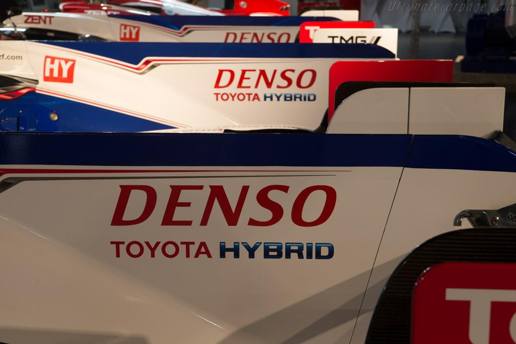 Toyota TS030 Hybrid    - Toyota Motorsport visit
