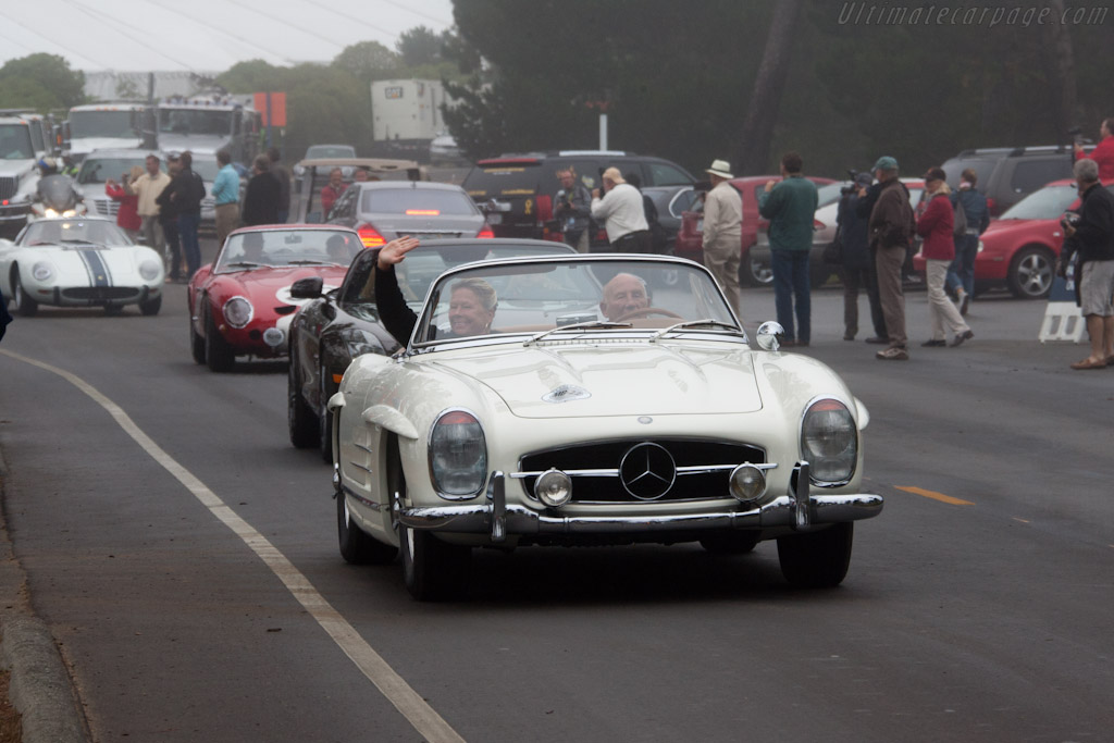 Off they go!    - 2011 Pebble Beach Concours d'Elegance