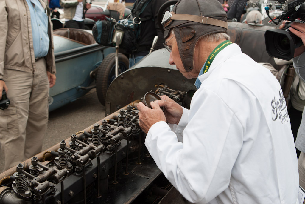 Oiling the rockers    - 2012 Pebble Beach Concours d'Elegance