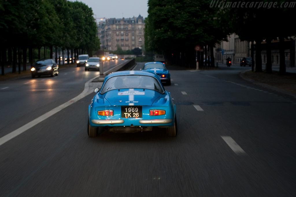 Alpines through Paris    - 2009 Tour Auto
