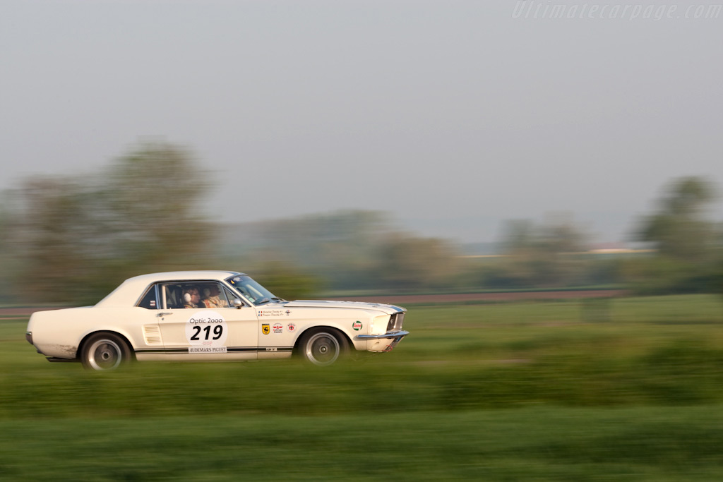 Ford Mustang    - 2009 Tour Auto