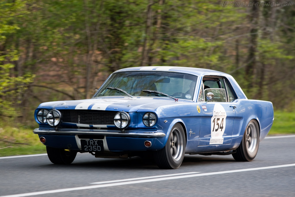 Ford Mustang    - 2010 Tour Auto