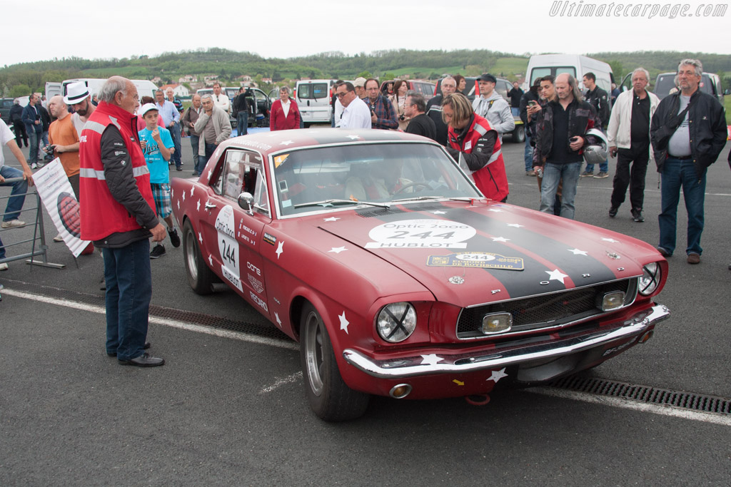 Ford Mustang    - 2013 Tour Auto