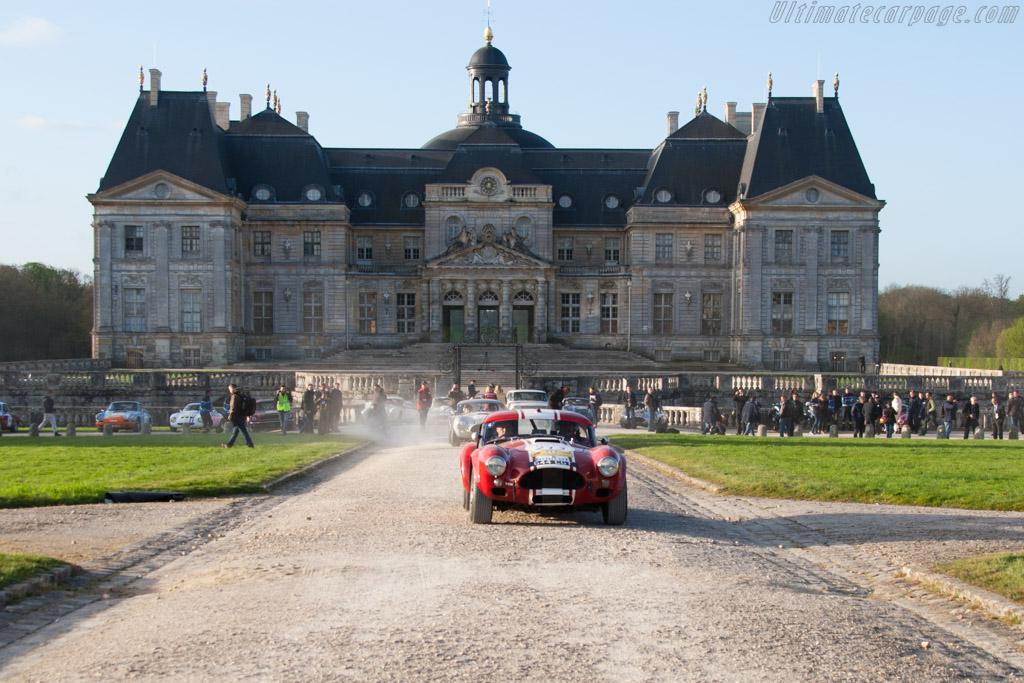 AC Shelby Cobra - Chassis: CSX2130 - Driver: Shaun Lynn / Kevon Kivlochan  - 2014 Tour Auto