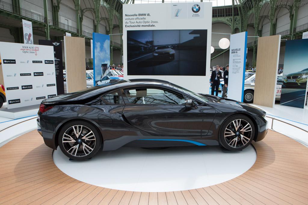 BMW i8    - 2014 Tour Auto