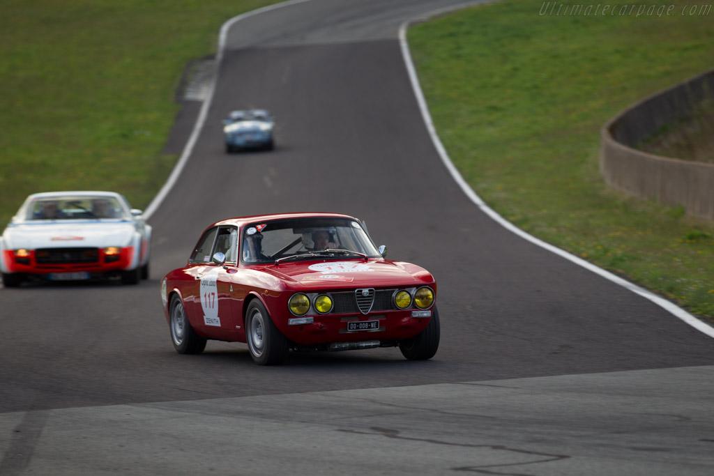 Alfa Romeo 2000 GTV  - Driver: Jerome Mortagne / Guillaume Halley  - 2015 Tour Auto