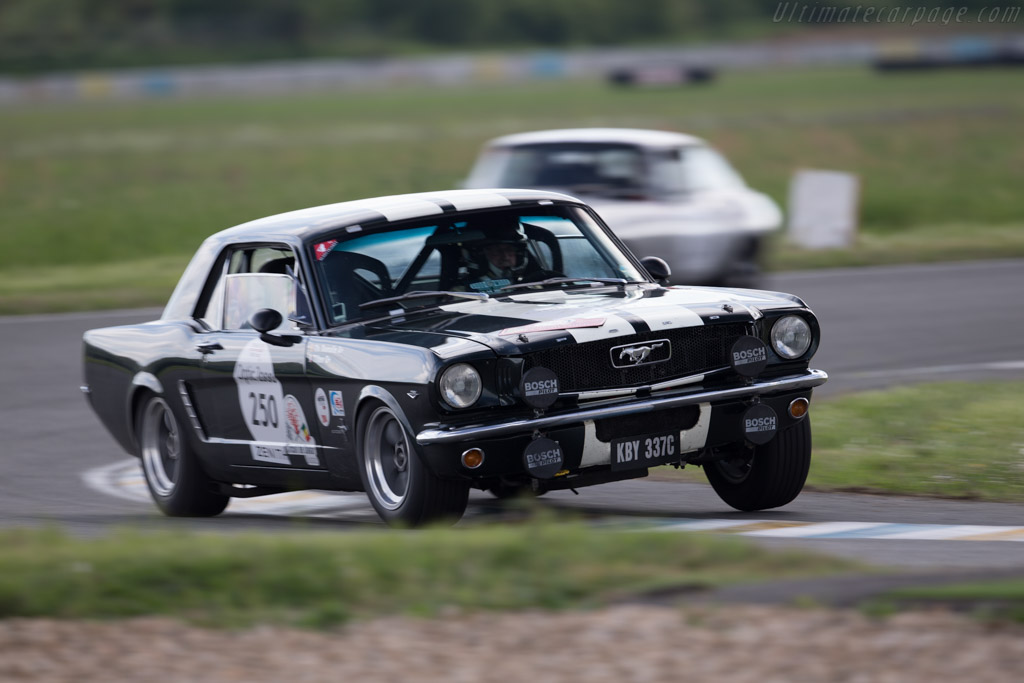 Ford Mustang GT - Chassis: 5R07C200346 - Driver: Christian Dumolin ...