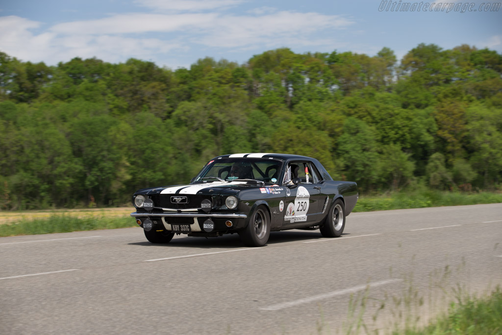 Ford Mustang Gt Chassis 5r07c200346 Driver Christian