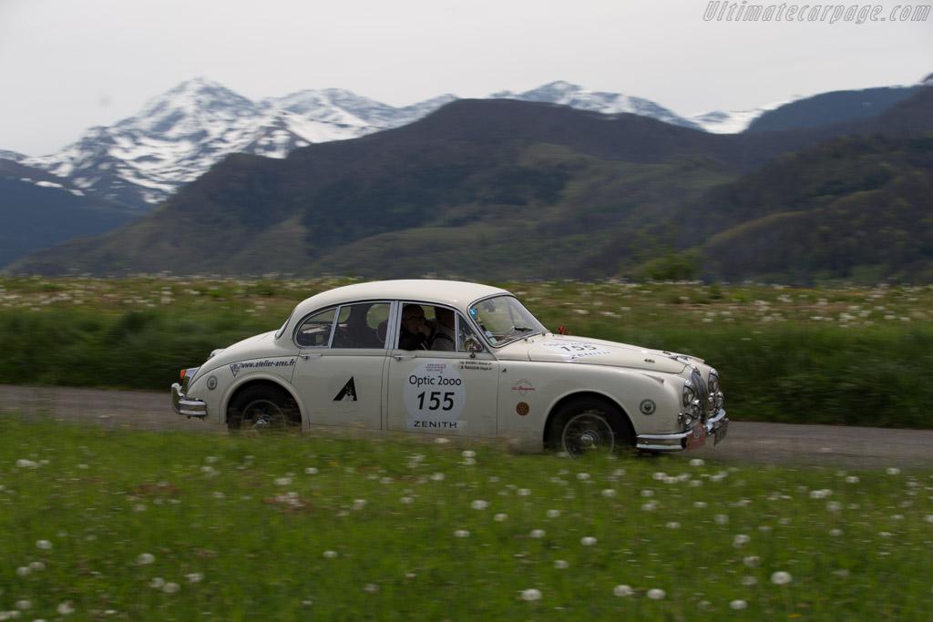Jaguar MkII - Chassis: 993108 - Driver: Pierre Le Gloahec-Henaff / Alexandre Brasseur  - 2015 Tour Auto