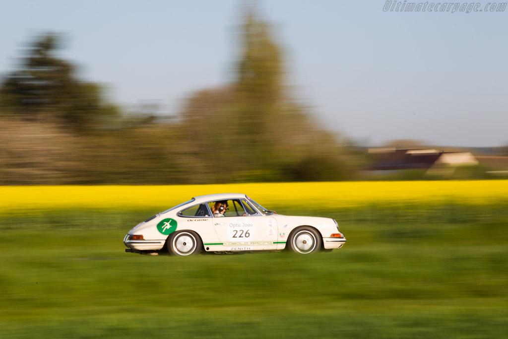 Porsche 911 - Chassis: 301003 - Driver: Gabriele Spangenberg / Andreas Middendorf  - 2015 Tour Auto