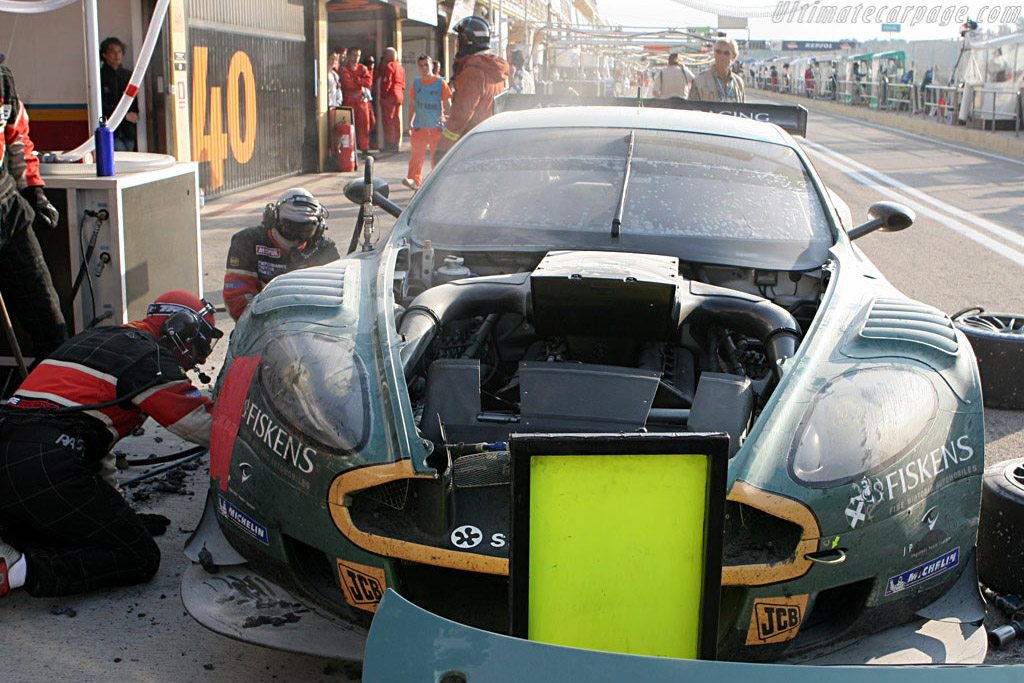 Fire in the hole - Chassis: DBR9/1 - Entrant: Aston Martin Larbre  - 2007 Le Mans Series Valencia 1000 km