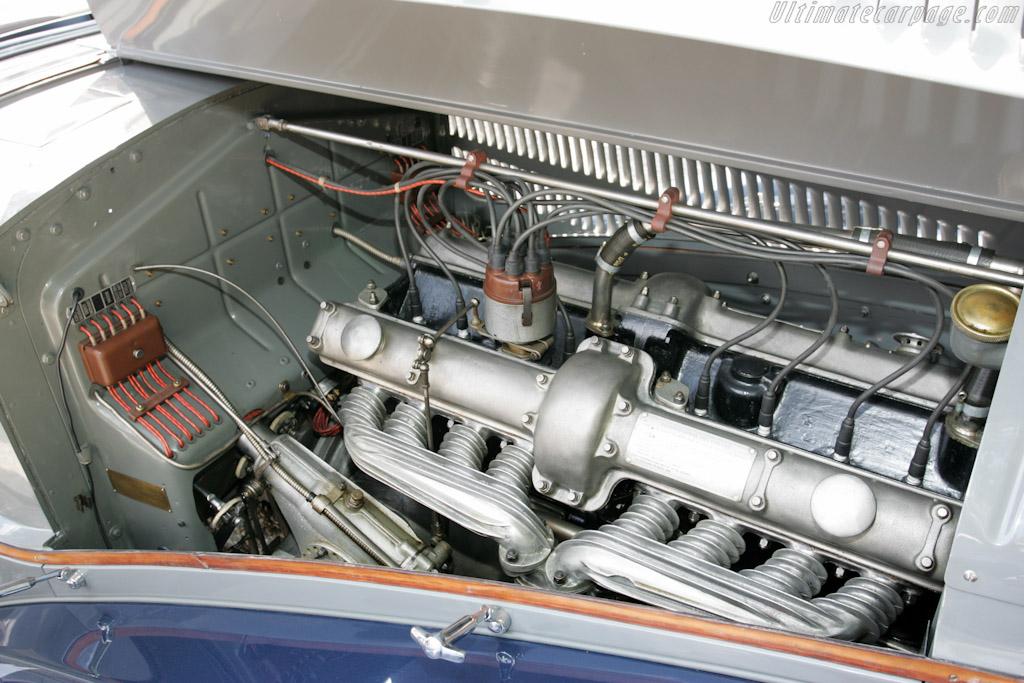 Alfa Romeo 8C 2300 Pinin Farina Cabriolet - Chassis: 2211075   - 2011 Concorso d'Eleganza Villa d'Este