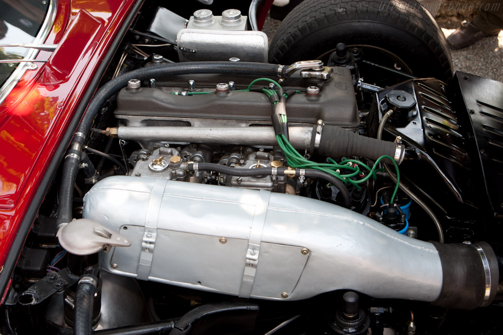 Alfa Romeo TZ2 - Chassis: AR750117   - 2011 Concorso d'Eleganza Villa d'Este