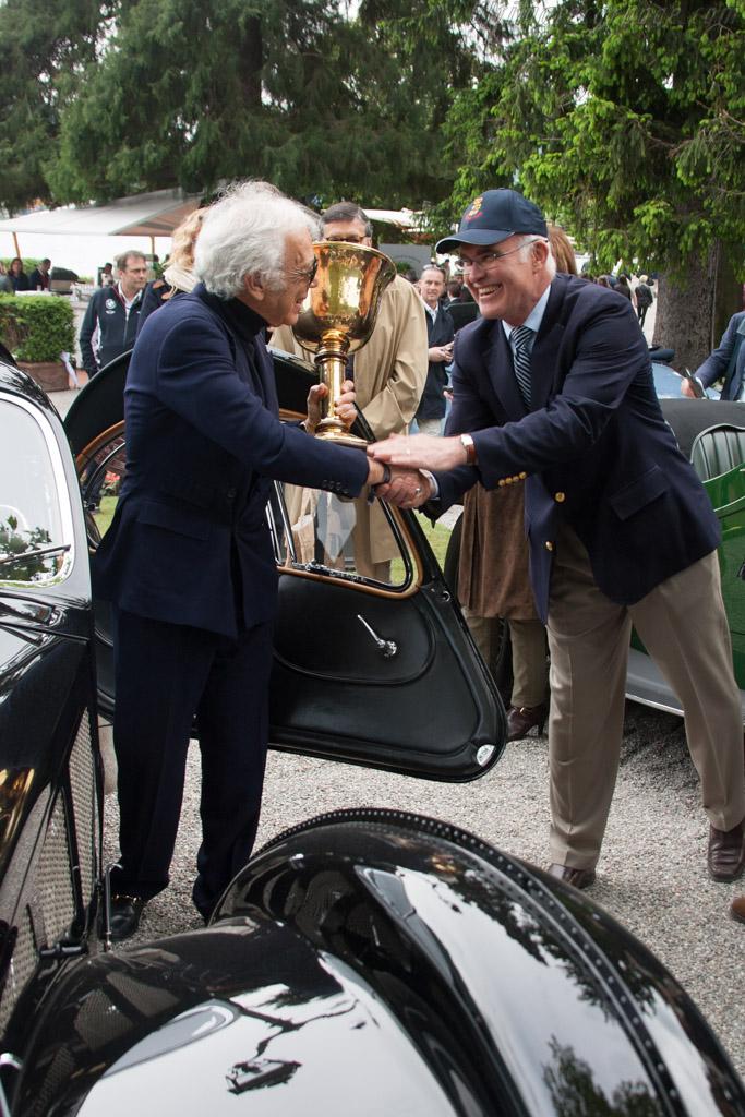 Lauren with restorer Paul Russell - Chassis: 57591   - 2013 Concorso d'Eleganza Villa d'Este