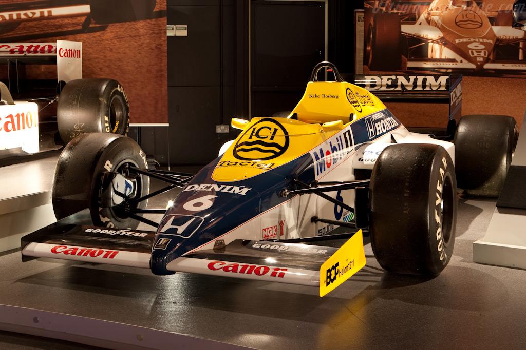 Williams FW10B Honda    - Four Decades of Williams in Formula 1
