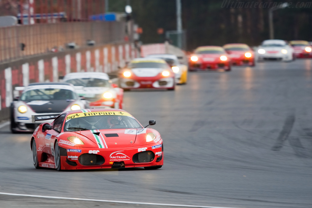 GT2 leaders - Chassis: 2404   - 2009 FIA GT Zolder
