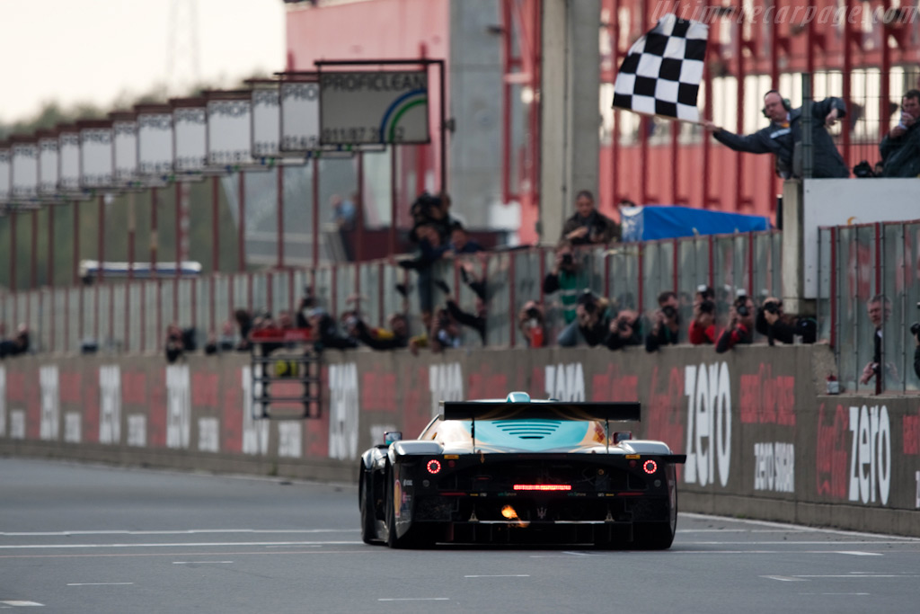 The finish - Chassis: 15439   - 2009 FIA GT Zolder