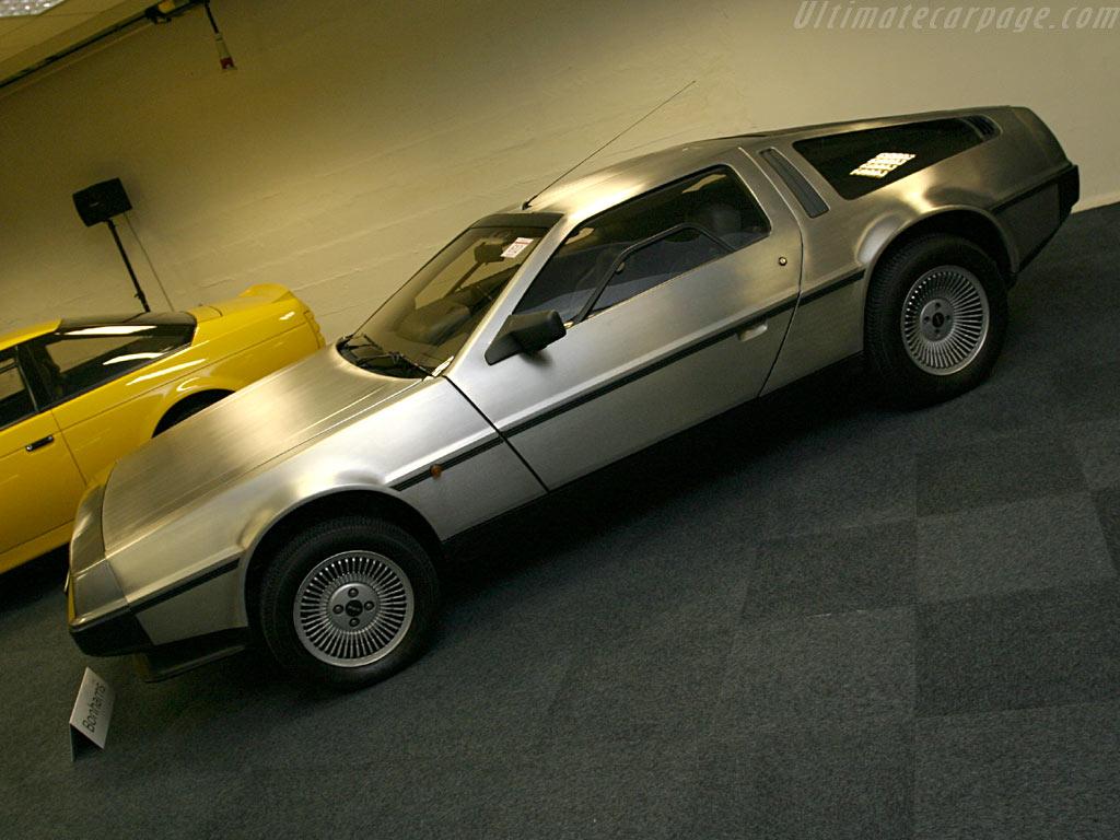 DeLorean DMC-12 el post que hoy esperaba.[Info]+[Fotos]