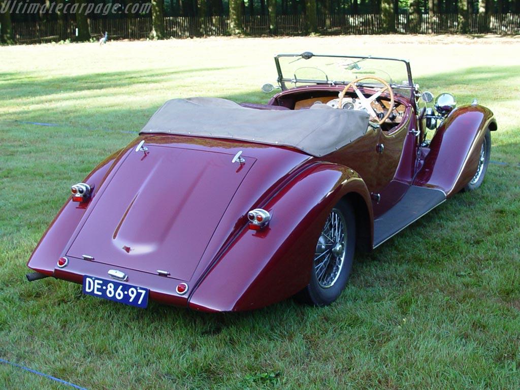 Bugatti Type 57 Stelvio Drophead Coupe High Resolution Image (2 of 2)