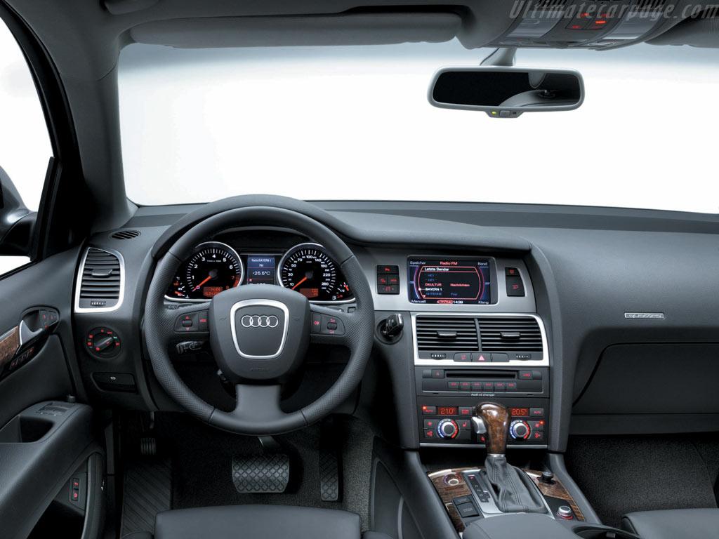 Audi Q7 High Resolution Image 6 Of 6