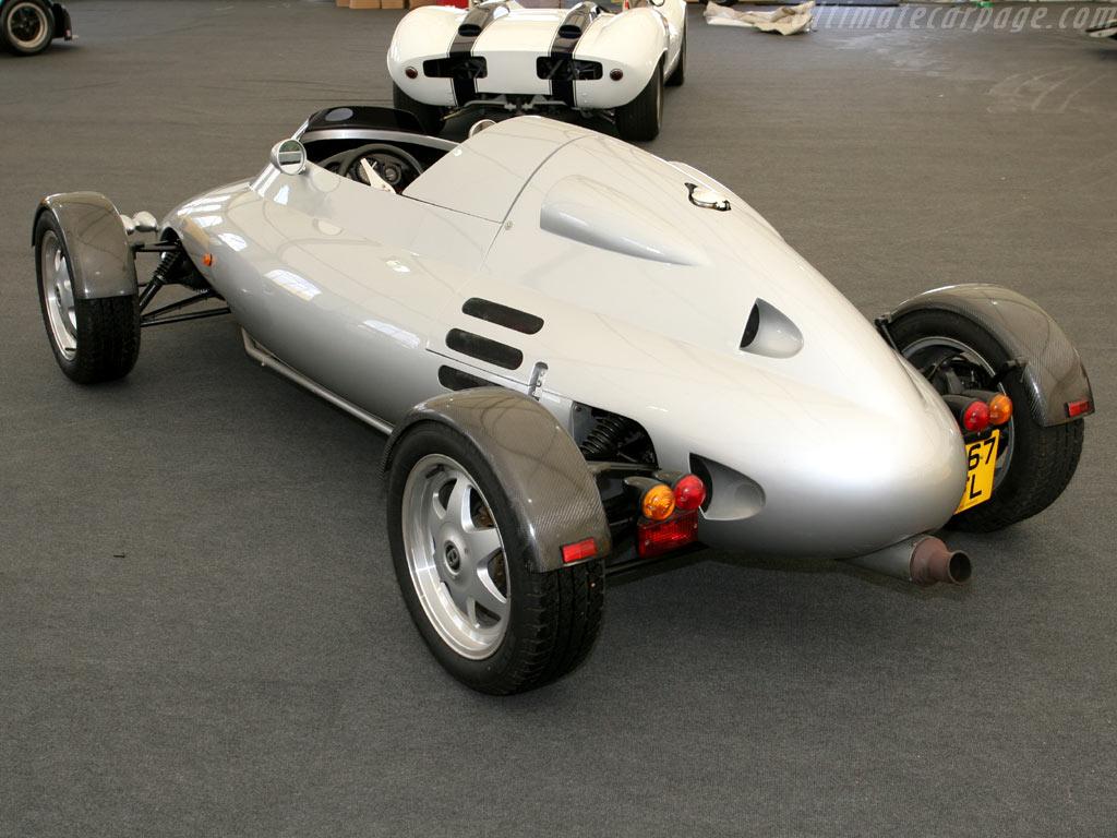 Light car company rocket high resolution image (3 of 6)