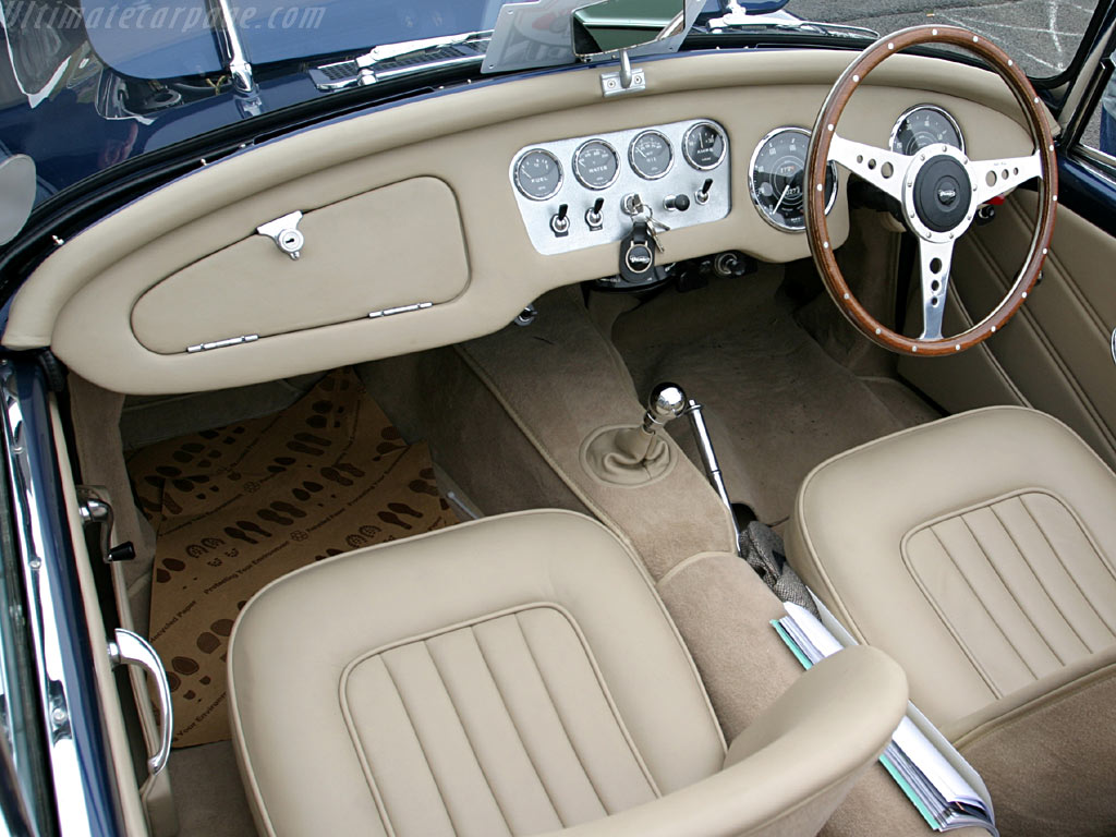 Daimler SP250 Dart - High Resolution Image (5 of 6)
