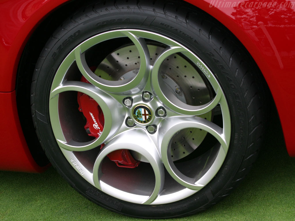 Alfa Romeo 8C Spider Concept High Resolution Image (5 of 12)