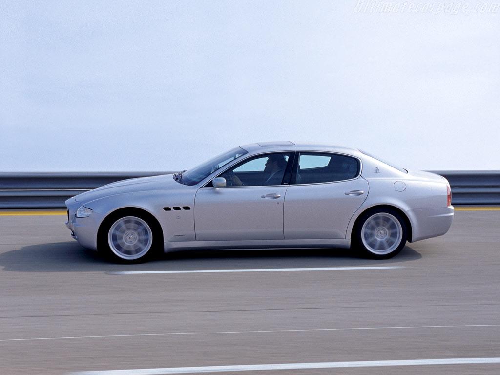 http://www.ultimatecarpage.com/images/large/2454/Maserati-Quattroporte-Sport-GT_4.jpg
