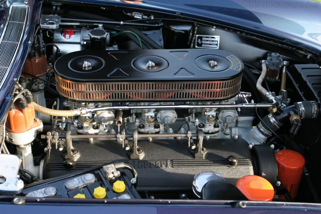 http://www.ultimatecarpage.com/images/large/2623/Ferrari-400-Superamerica-S1-Pininfarina-Aerodinamico_12.jpg