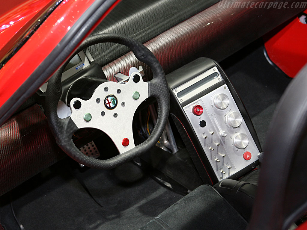 http://www.ultimatecarpage.com/images/large/2722/Alfa-Romeo-Diva-Concept_5.jpg