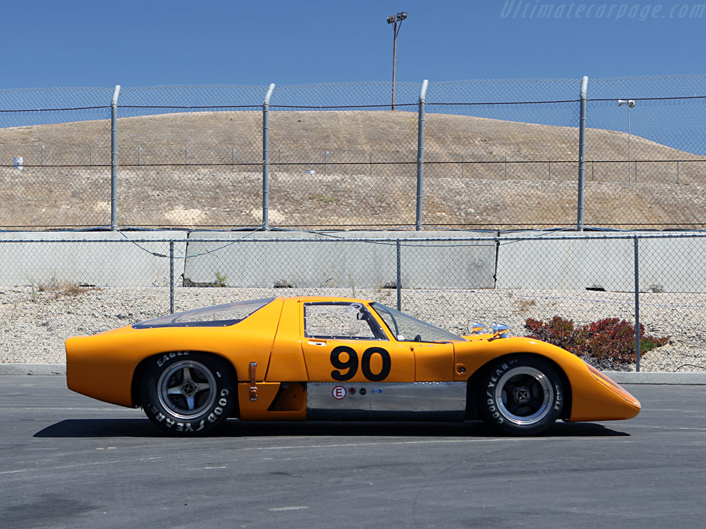 http://www.ultimatecarpage.com/images/large/315/McLaren-M6GT-Chevrolet_10.jpg
