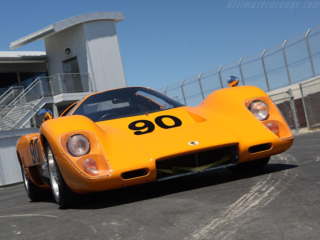 http://www.ultimatecarpage.com/images/large/315/McLaren-M6GT-Chevrolet_8.jpg