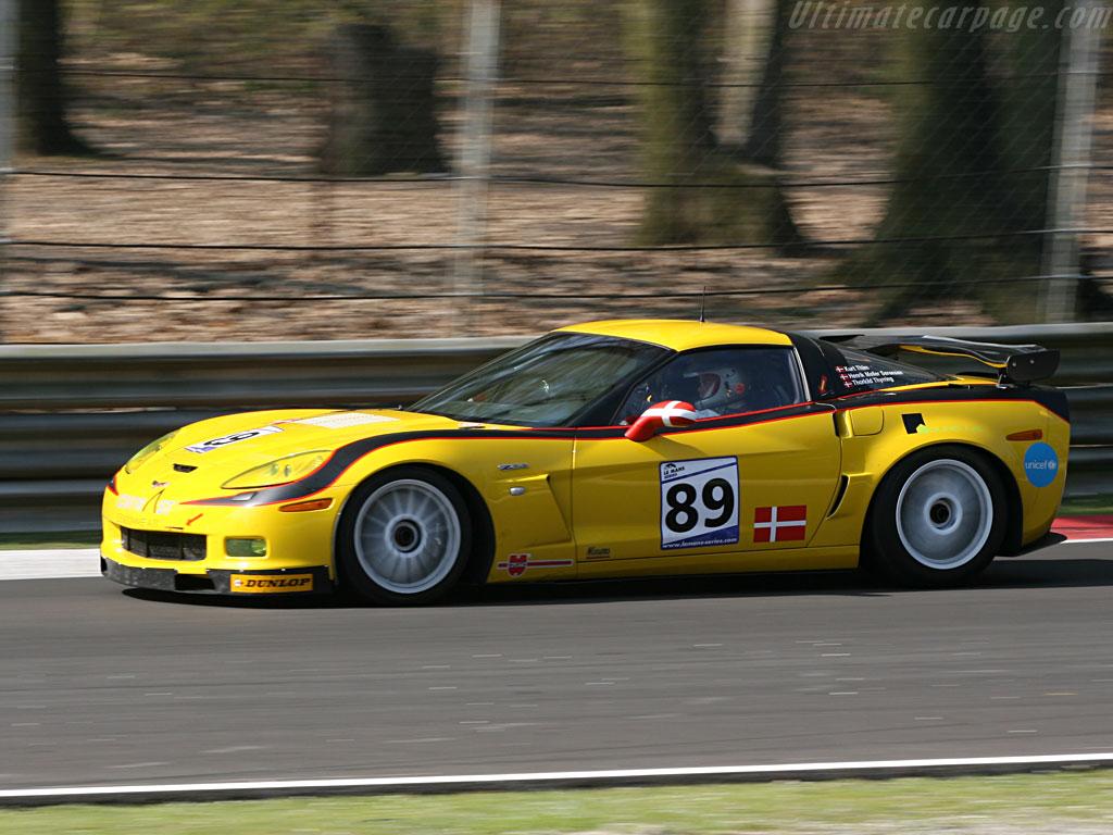 Chevrolet-Corvette-C6-Z06-GT2_10.jpg