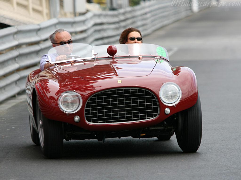 http://www.ultimatecarpage.com/images/large/3243/Ferrari-625-TF-Vignale-Spyder_1.jpg