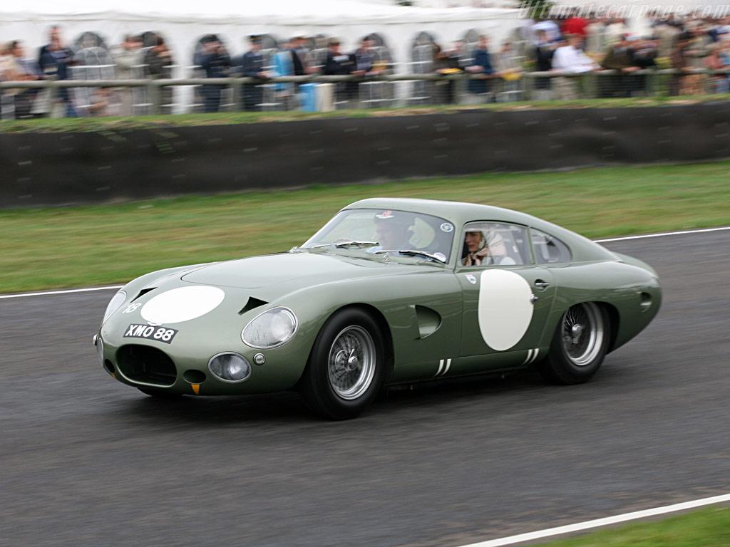 Aston-Martin-DP215_2.jpg