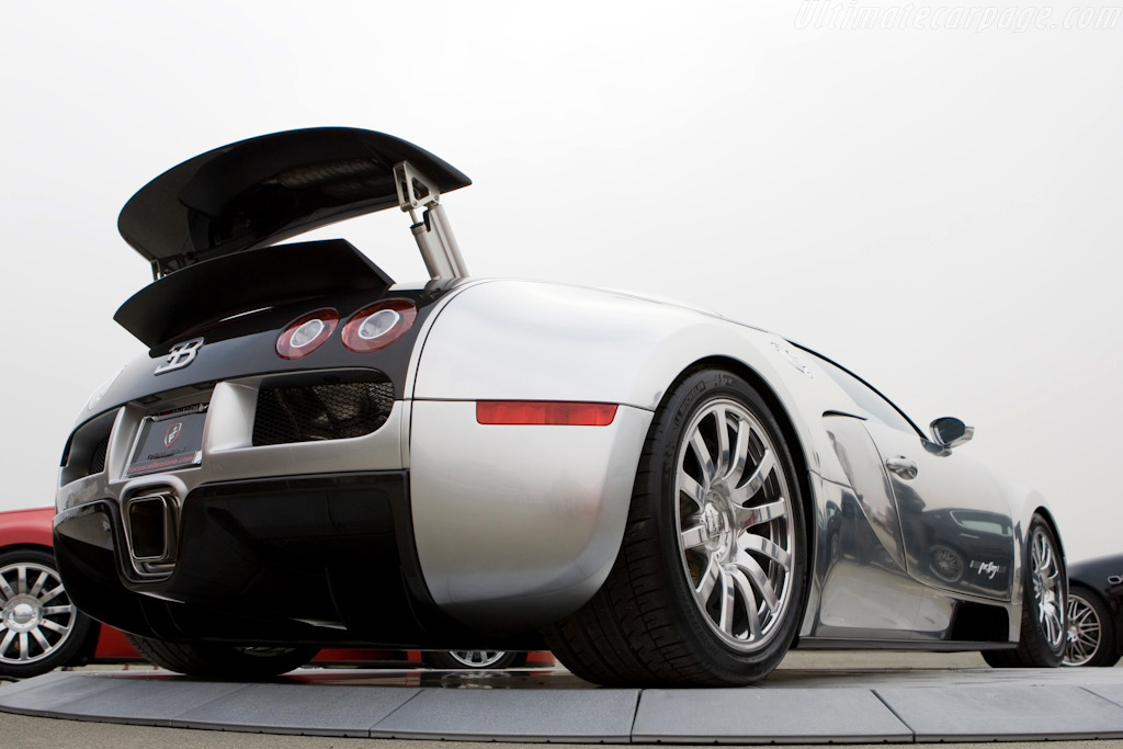 bugatti veyron 16 4 39 pur sang 39 high resolution image 10 of 12. Black Bedroom Furniture Sets. Home Design Ideas