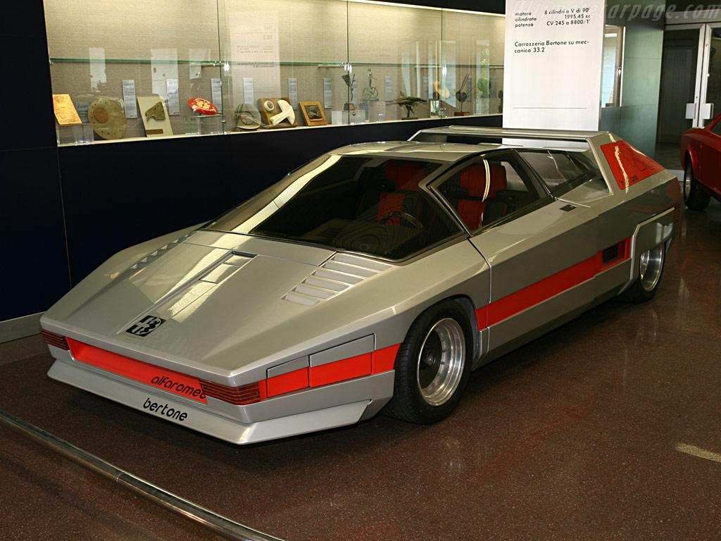 http://www.ultimatecarpage.com/images/large/3405/Alfa-Romeo-33-Navajo-Concept_1.jpg