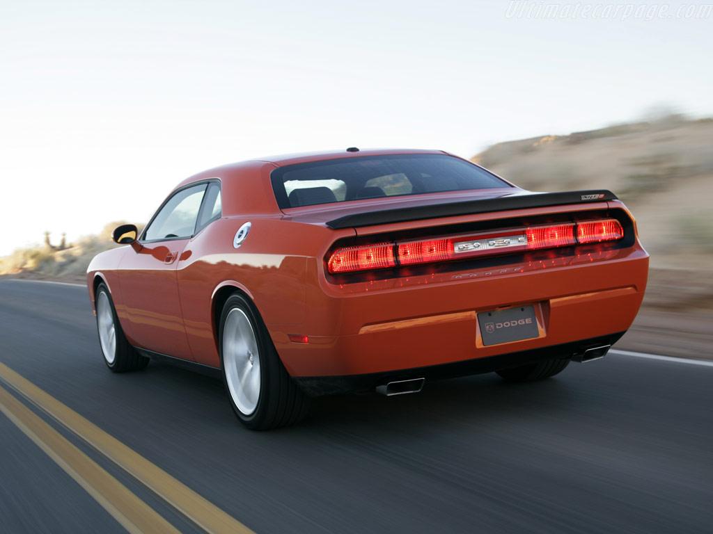 Dodge Challenger SRT8 High Resolution Image (6 of 18)