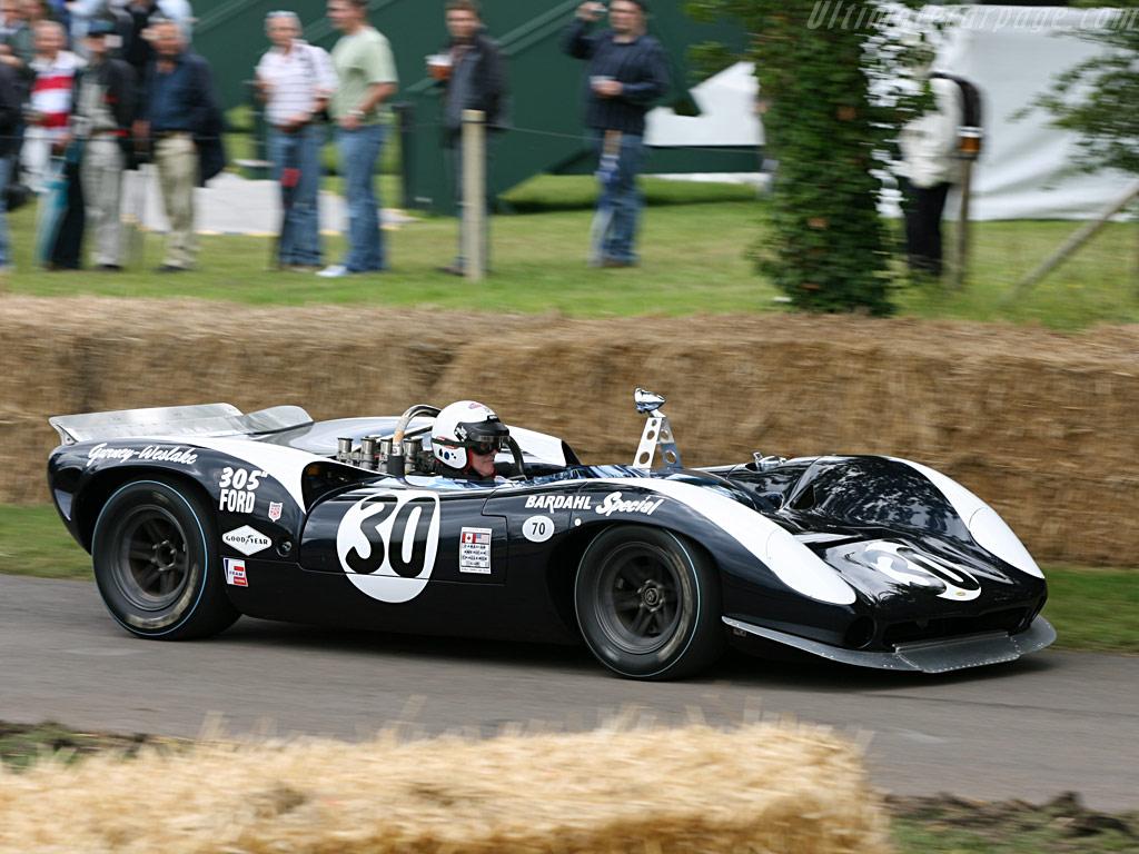 Lola-T70-Mk2-Spyder-Ford_2.jpg