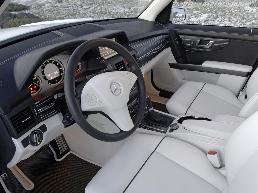 Новый кроссовер Mercedes GLK.