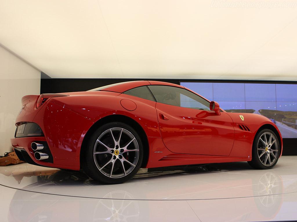 Ferrari California High Resolution Image 8 Of 18