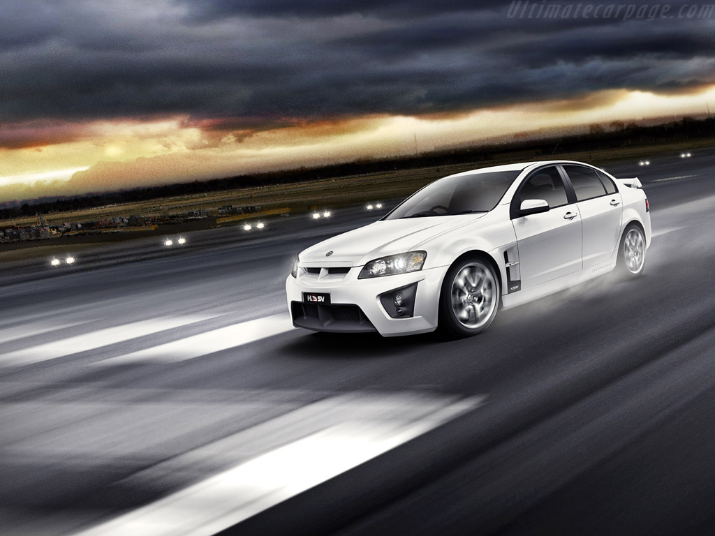 hsv r8 clubsport high resolution image 1 of 6