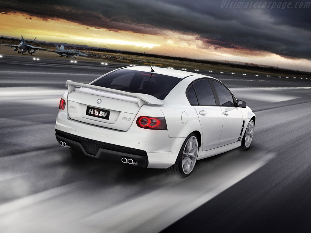 hsv r8 clubsport high resolution image 2 of 6