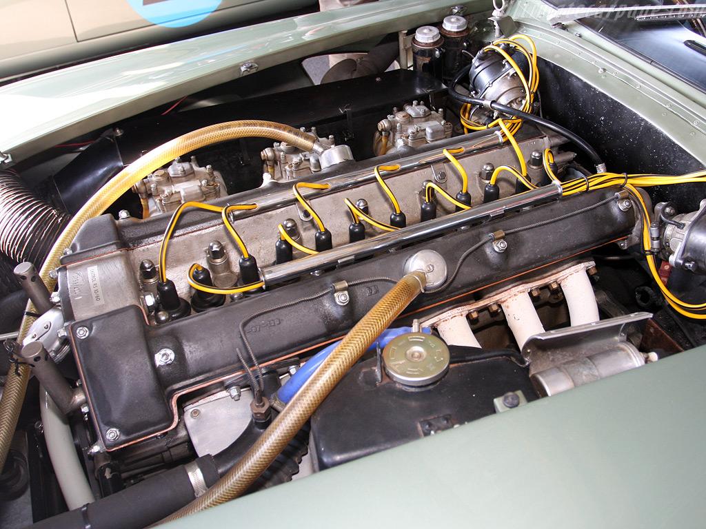 Aston-Martin-DP214_12.jpg