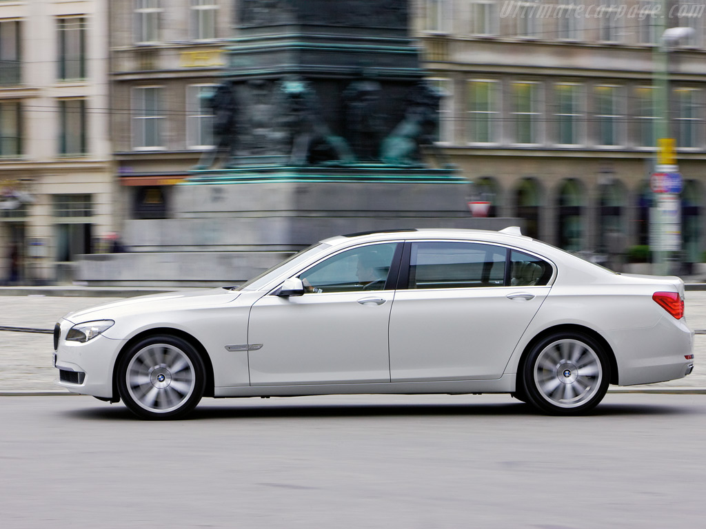 BMW 2010 7 Series