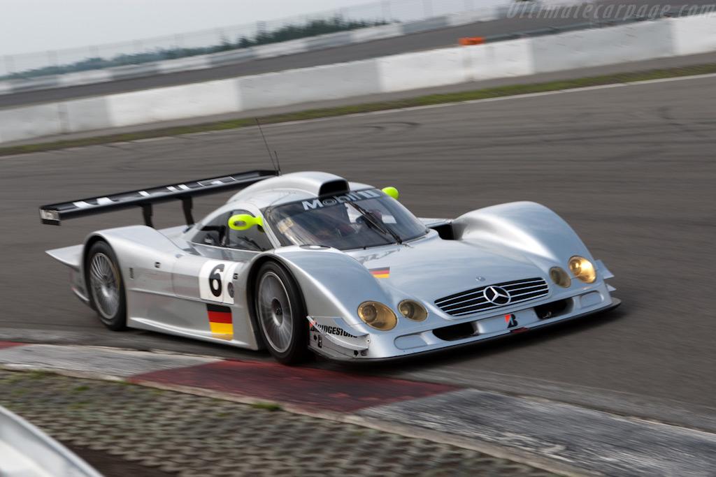 メルセデス・ベンツ・CLR - Mercedes-Benz CLR